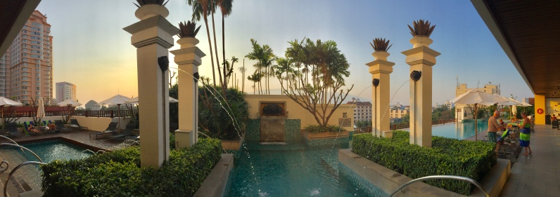 Le Meridian Pool